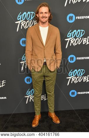 LOS ANGELES - JAN 08:  Actor Josh Pence arrives for Freeform's