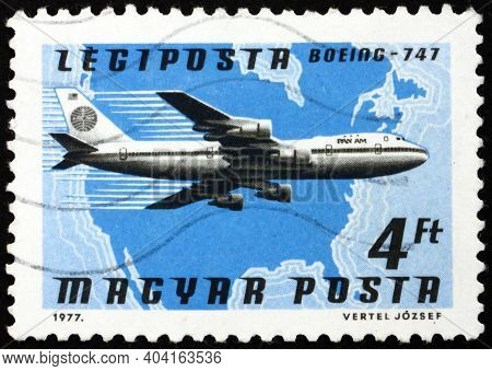 Hungary - Circa 1977: A Stamp Printed In Hungary Shows Plane Boeing 747, Pan Am, North America, Circ