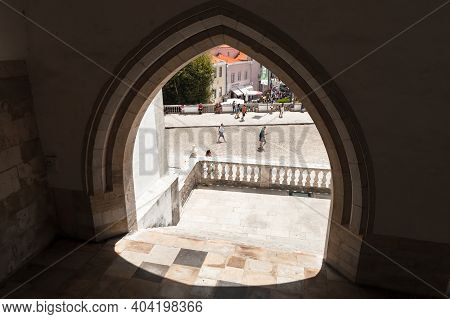 Sintra, Portugal - August 14, 2017: Stone Arch In The Wall Of The Palacio Nacional De Sintra Or The