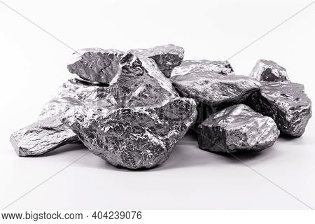 Palladium Is A Chemical Element That At Room Temperature Contracts In The Solid State. Metal Used In
