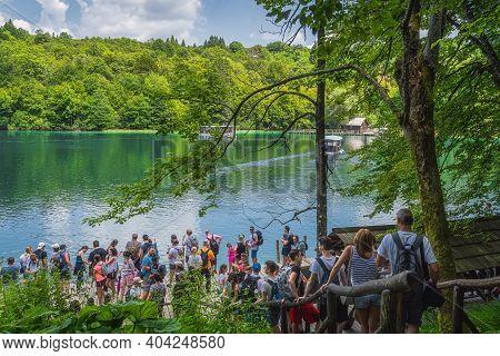 Plitvicka Jezera, Croatia, July 2019 Massive Crowds And Queues For Ferry To Cross The Lake In Plitvi