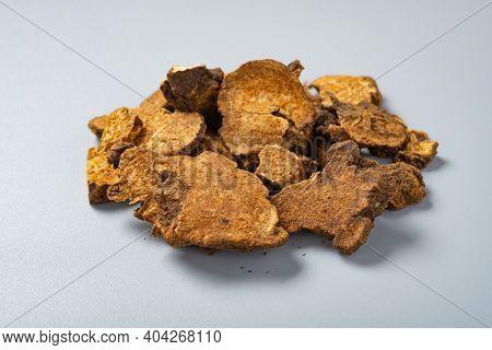 Side View Herb Cangzhu Or Cangshu Or Rhizoma Atractylodis Or Atractylodis Rhizoma