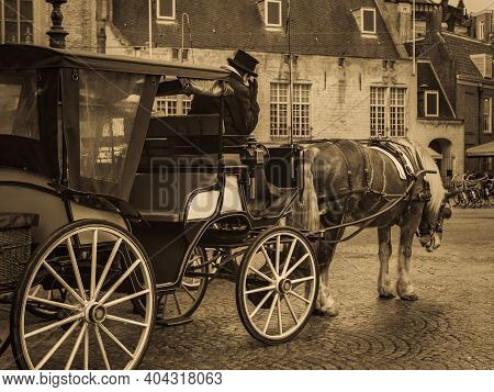 Old Amsterdam, Dam Square - The Historical Center Of Amsterdam. Image Of Horses With Carriage And Co