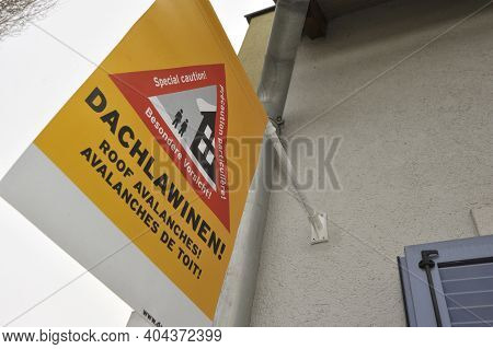 Caution Roof Avalanches Warning Sign