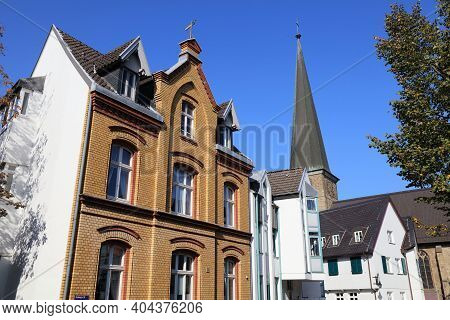 Muelheim An Der Ruhr City In Germany. Old Town Architecture In Kirchenhuegel Area.