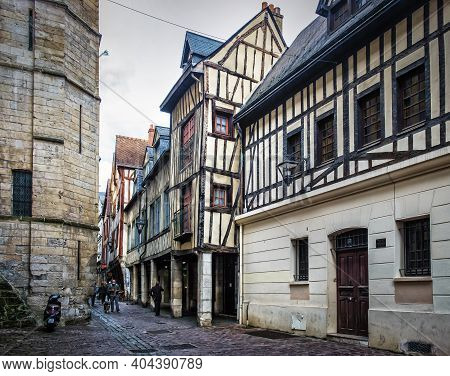 Rouen, France, Oct 2020, View Of A  Cobblestoned Street In The Pedestrian Center With Medieval Half-