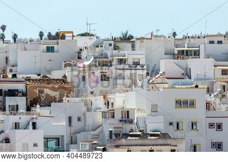 Urban Photography Of Housing Neighborhood In Highly Populated Region Of Praia Dos Pecadores, Albufei