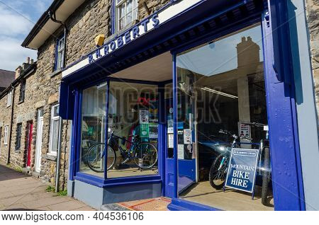 Bala; Uk: Sep 20, 2020: R. H. Roberts Cycles Is An Independent Cyclists Shop On The High Street Of B