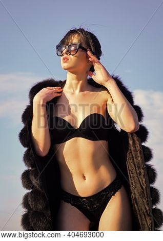 Luxury And Success. Sexy Woman Wear Erotic Lingerie And Fur Waistcoat. Sensual Girl In Summer Sungla