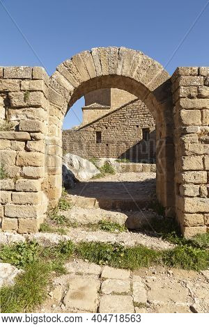 Arch In The Medieval Castle Of Loarre, Aragonese Castle From The 11th And 12th Century, Romanesque A