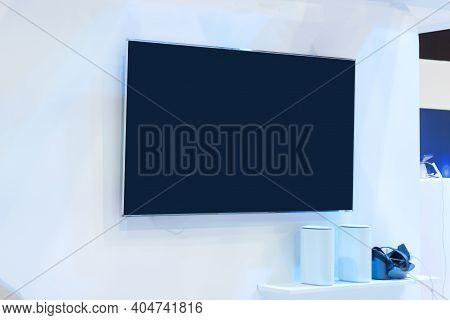 Blank Lcd Smart Tv Presentation At Event Convention Exhibit Trade Show And Booth In Conference Hall,