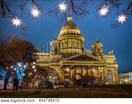 St-petersburg, Russia - 03.01.2020: St. Isaac's Cathedral In St. Petersburg In The Christmas Illumin