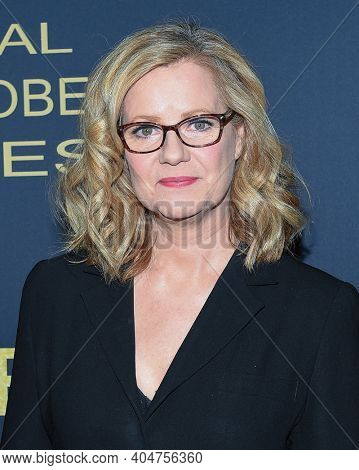 LOS ANGELES - JAN 05:  Actress Bonnie Hunt arrives for Showtime Golden Globe Nominee Celebration Premiere on January 05, 2019 in West Hollywood, CA
