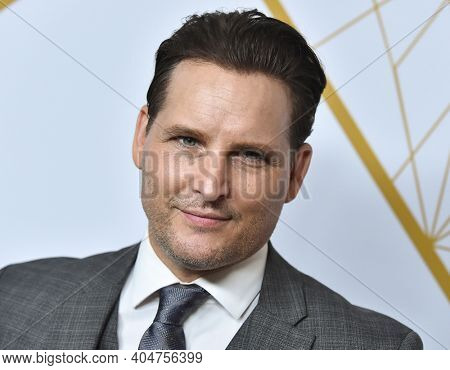 LOS ANGELES - SEP 21:  Peter Facinelli arrives for Showtime Celebrates Emmy Eve on September 21, 2019 in West Hollywood, CA