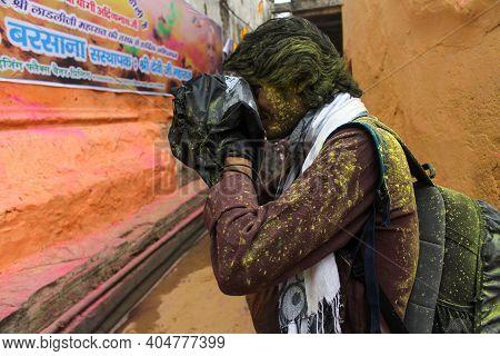 Mathura, Uttar Pradesh, India- January 6 2020: A Photographer Clicking Photos With His Camera Covere