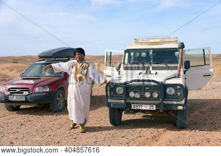 ERG CHIGAGA, MOROCCO SAHARA - OCTOBER 20 2020: Touareg in Sahara Desert, Africa