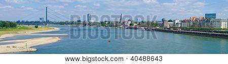 Dusseldorf Skyline