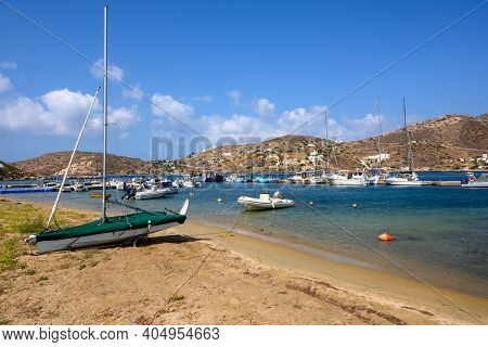 Ios, Greece - September 22, 2020: View Of The Marina And Bay Of Ios Island On A Sunny Day. Cyclades