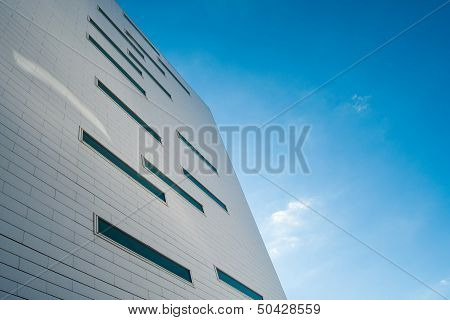 Multistory building