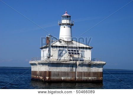 Fourteen Foot Shoal Lighthouse