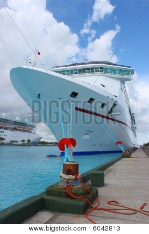 Cruise Ships In Nassau Port