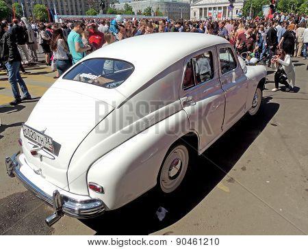 Soviet Executive Car Sedan Fastback Gaz-m20 Pobeda (victory)