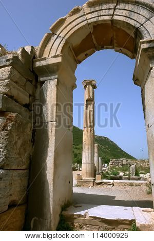 Old Arch In Efes.