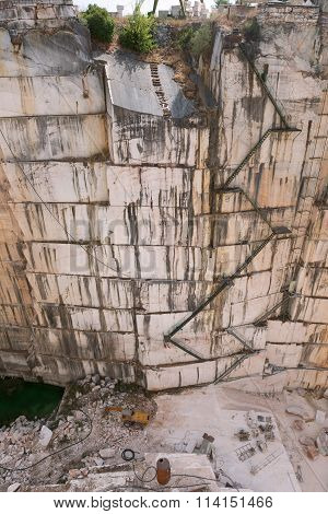 Walls of marble quarry in Estremoz