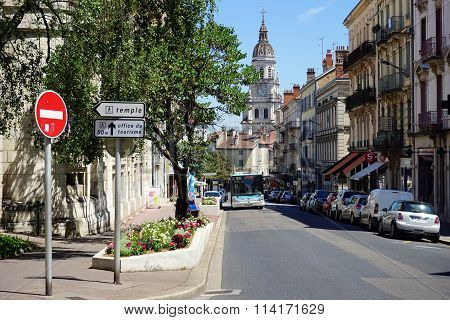 Cathedrale Notre-dame-de-l'annonciation And Street