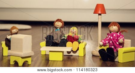 Lovely Family Of The Wooden Figures, Retro Toys