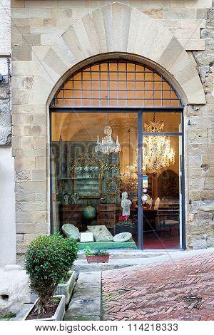 Paolo Burzi Antiquities Shop Arezzo Tuscany