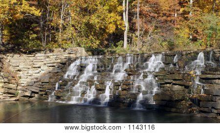 Devil'S Den Waterfall