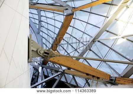 Museum Of Contemporary Art Of The Louis Vuitton Foundation