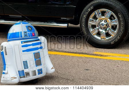 R2-D2 In Parade
