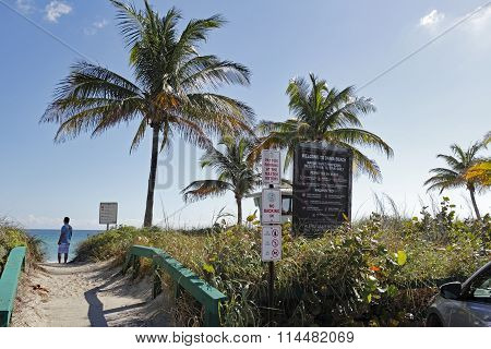 Signs And Entrance To Dania Beach