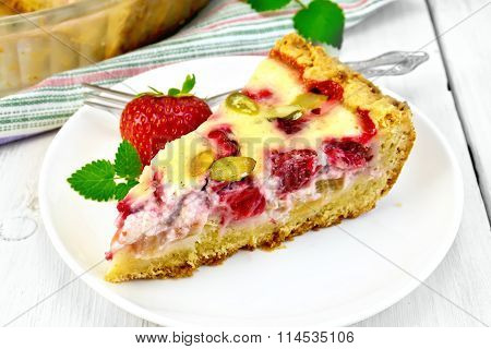 Pie strawberry-rhubarb with sour cream on light board