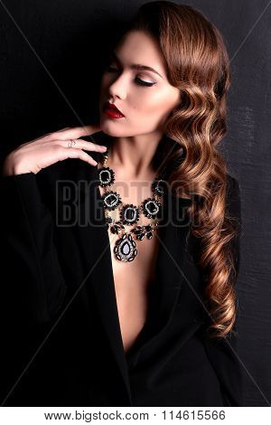 Fashion Portrait Of Sexy Lady In Black Tuxedo With Red Sensual Lips,foxy Curly Hair In Beautiful Jew