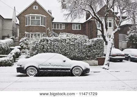 Winter in London Street