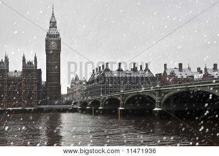 Westminster Bridge on winter