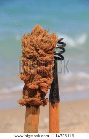 Wad-screw and sponge