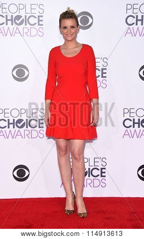 LOS ANGELES - JAN 06:  Bonnie Somerville arrives to the People's Choice Awards 2016  on January 06, 2016 in Hollywood, CA.