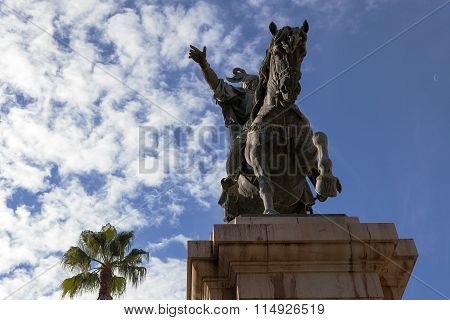 Statue of James I in Plaza de Alfonso el Magnánimo, Valencia.