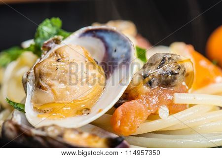 Italian Spaghetti And Clams Made In Naples