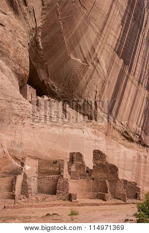 White House Ruins In Canyon De Chelly National Monument