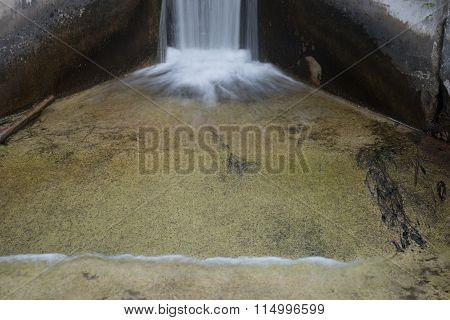 Small Dam Spill Base