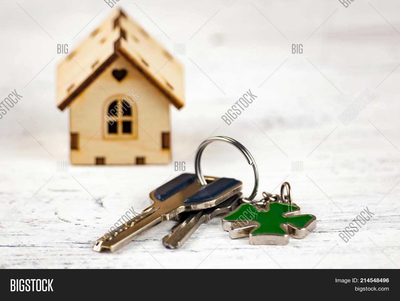 Little House Next Keys Image Photo Free Trial Bigstock