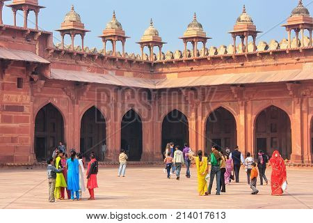 Fatehpur Sikri, India-january 30: Unidentified People Walk In The Courtyard Of Jama Masjid On Januar