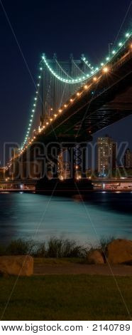 Manhattan Bridge Vert Pano