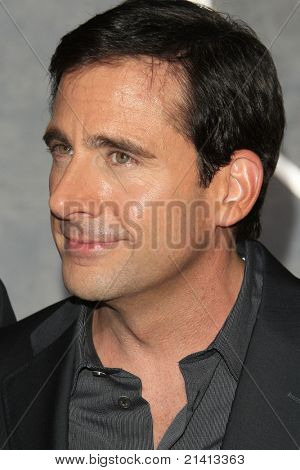 LOS ANGELES - OCT 24: Steve Carell at the world premiere of 'Dan In Real Life' at the El Capitan Theater in Hollywood, Los Angeles, California on October 24, 2007