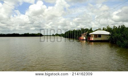 Peace and tranquility in the Gambia river
